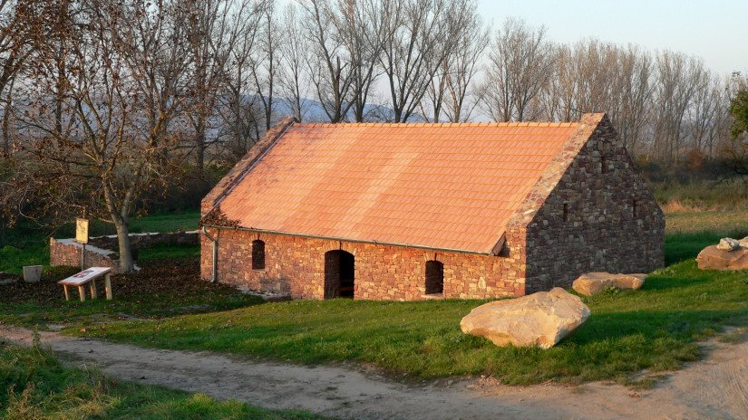 Wash-house in Kövágóörs